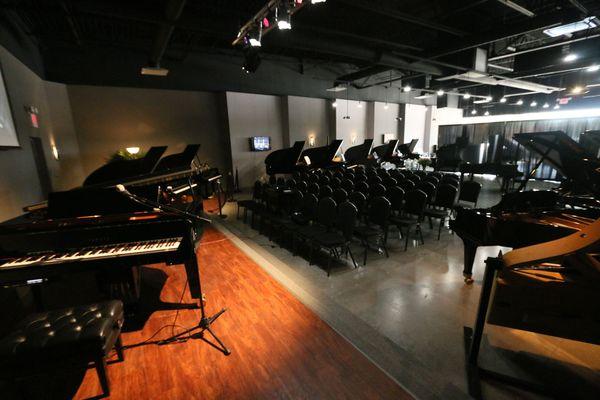 Metroplex Piano Keller stage